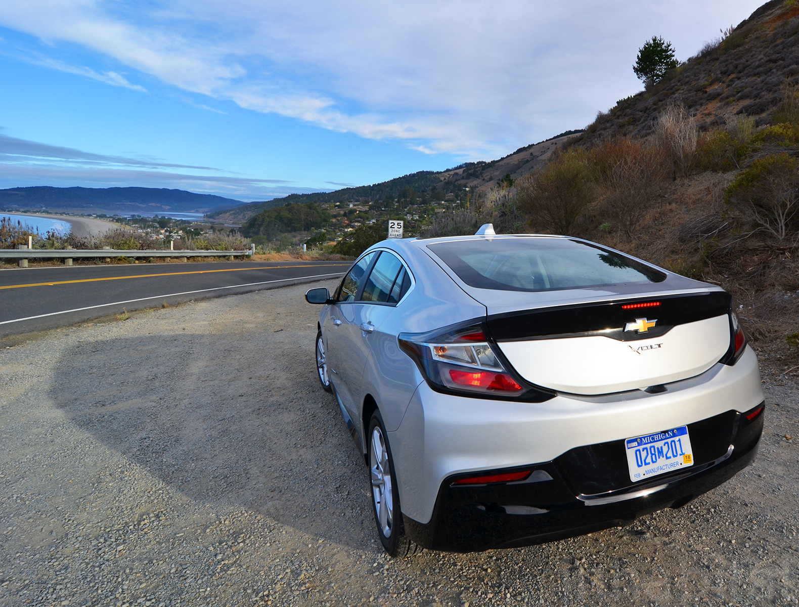 We Test Drove The New Chevrolet Volt And Here S The Scoop