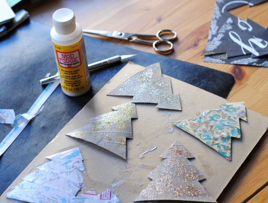 craft diy how to paper recycled eco christmas - Recycled Christmas Decor