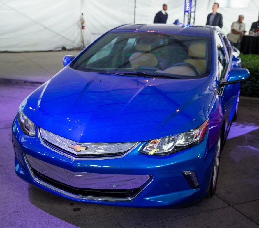 2015 la auto show, 2016 chevy volt, 2016 green car of the year, 2016 volt, chevy, chevy volt, green car, green car journal, green car of the year, green transportation, plug-in hybrid