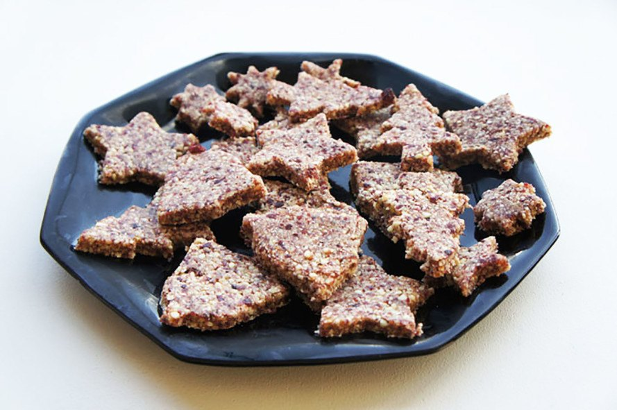 vegan christmas cookies, healthy christmas cookies, vegan almond cranberry cookies, vegan desserts, gluten-free desserts, desserts without refined-sugar, sugar-free desserts, vegan holiday desserts, healthy desserts, paleo desserts, vegetarian desserts, naturally sweetened desserts, naturally-sweetened desserts