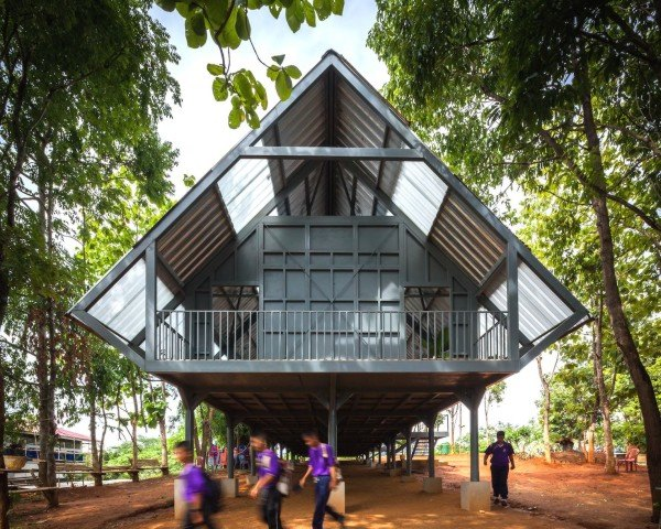 earthquake resistant architecture, disaster-proof design, disaster-proof architecture, earthquake resistant school, Thailand, Thai school, bamboo, bamboo batten, Baan Huay Sarn Yaw School, resin panels, Baan Huay Sarn Yaw School by Vin Varavarn Architects, Vin Varavarn Architects, Design for Disasters, post-disaster architecture
