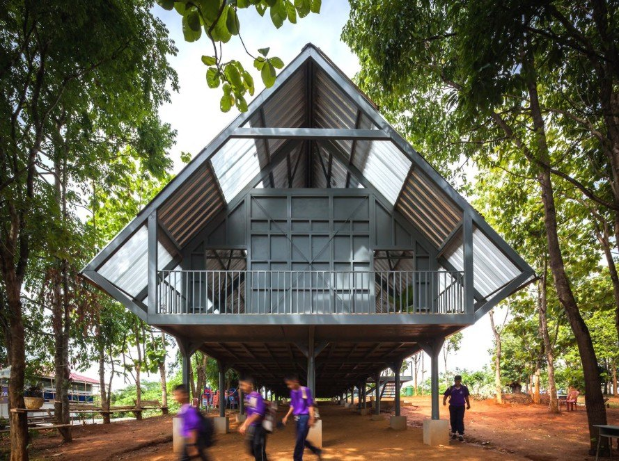 Baan huay sarn yaw school by vin varavarn architects for Earthquake resistant home designs