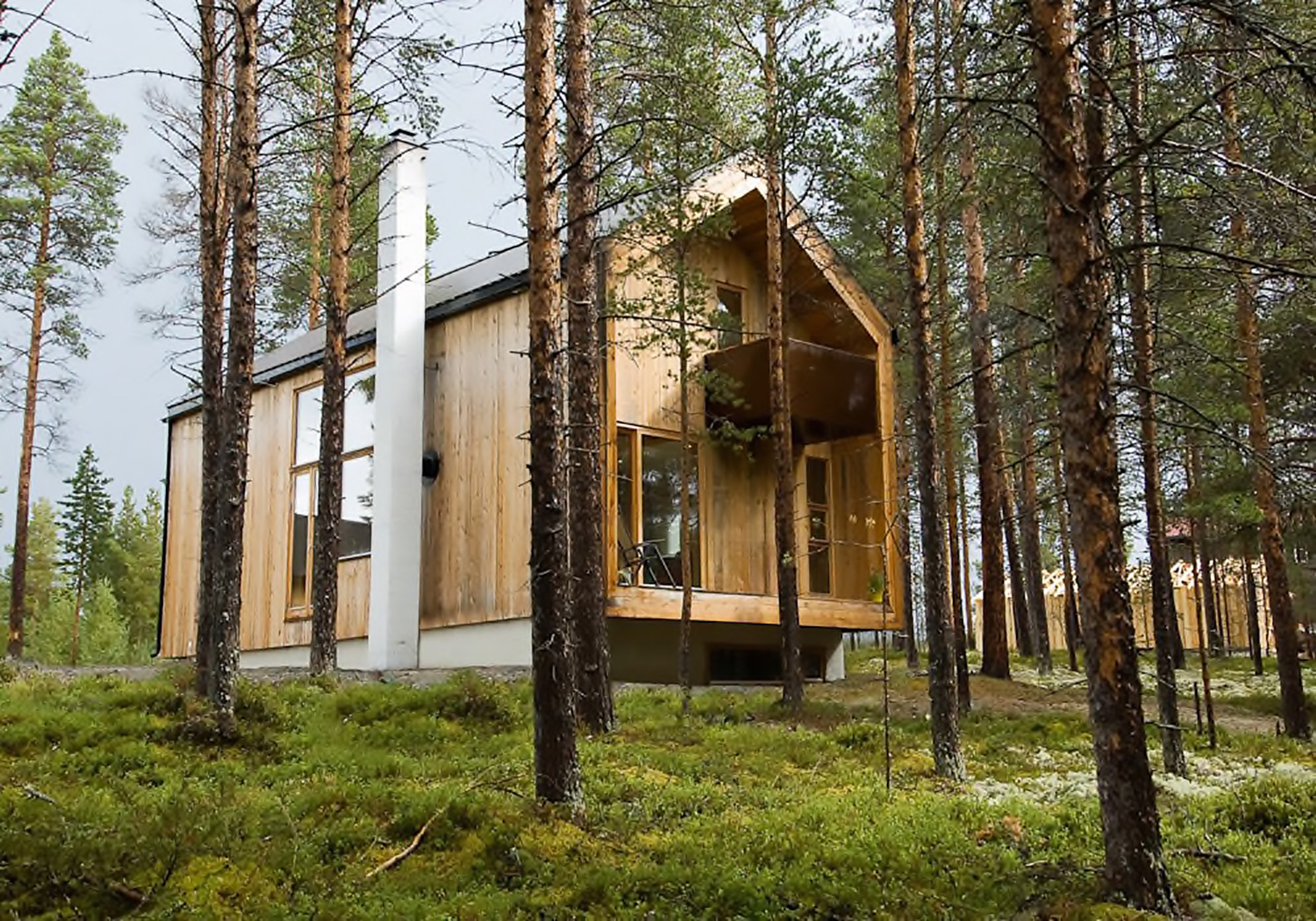 Cozy timber cabin in Norway is clad in locally sourced materials