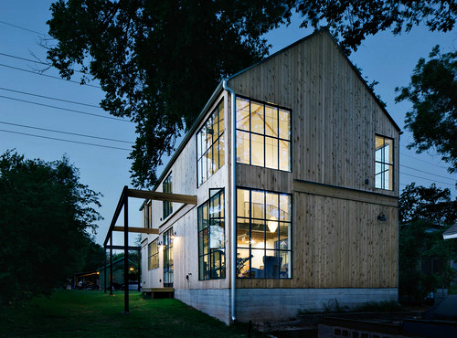 Bucolic Texas Home Pays Homage To The Stateu0027s Many Barns And Stables Part 36