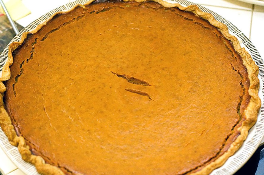 easy vegan pumpkin pie, quick vegan pumpkin pie, best vegan pumpkin pie, vegan desserts, gluten-free desserts, desserts without refined-sugar, sugar-free desserts, vegan holiday desserts, healthy desserts, paleo desserts, vegetarian desserts, naturally sweetened desserts, naturally-sweetened desserts