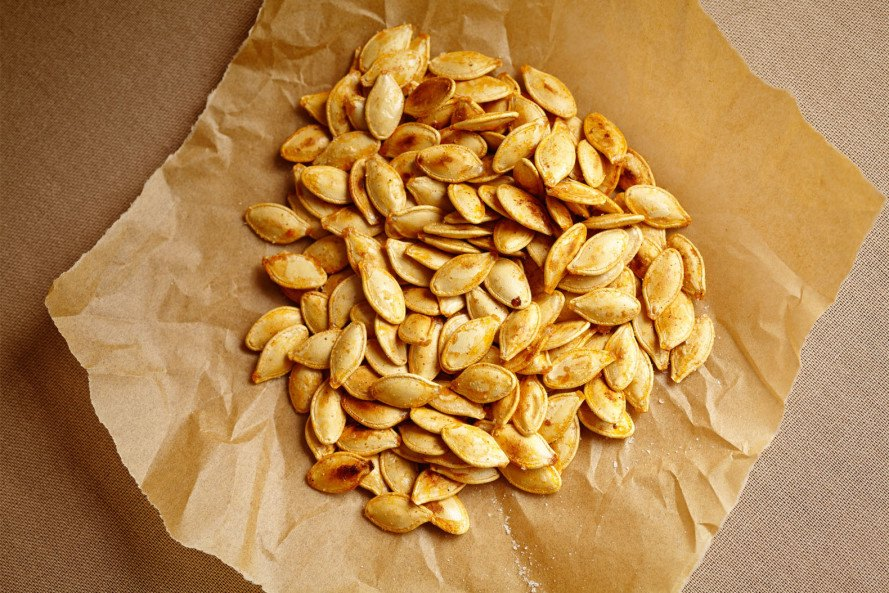 Roasted pumpkin seeds, pumpkin, seeds, thanksgiving recipes, inhabitat thanksgiving, vegan thanksgiving recipes, vegetarian thanksgiving recipes, vegan food, vegan holiday, inhabitat holiday, sustainable food, paleo thanksgiving, paleo diet