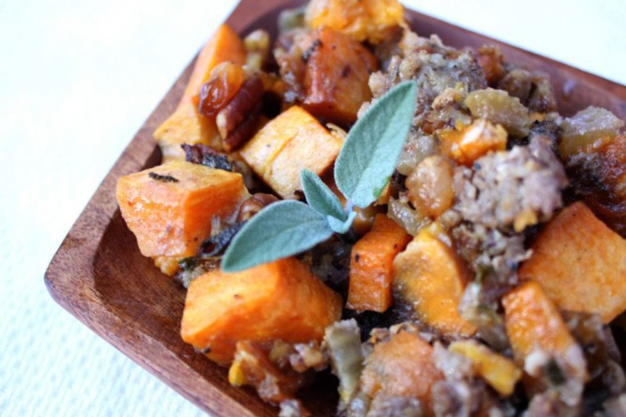 Stuffing recipe, savory stuffing, sweet potato stuffing, sweet potatoes, thanksgiving recipes, inhabitat thanksgiving, vegan thanksgiving recipes, vegetarian thanksgiving recipes, vegan food, vegan holiday, inhabitat holiday, sustainable food, paleo thanksgiving, paleo diet
