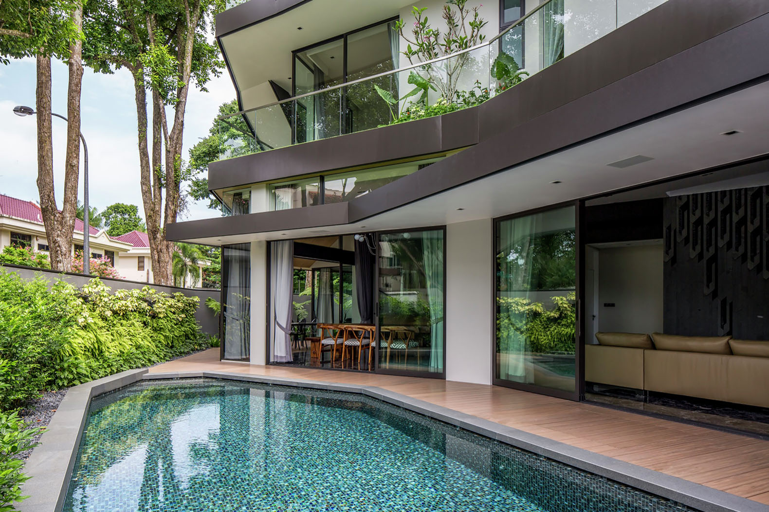 Singapore 39 s trevose house is a multi generational home for Multi generational home designs