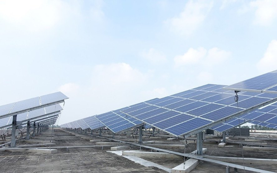 taiwan world's largest solar power tracker, solar power tracker, dual-axis solar power tracker, big sun power, chailease financial company, solar power, solar panels, green energy, green power, renewable energy