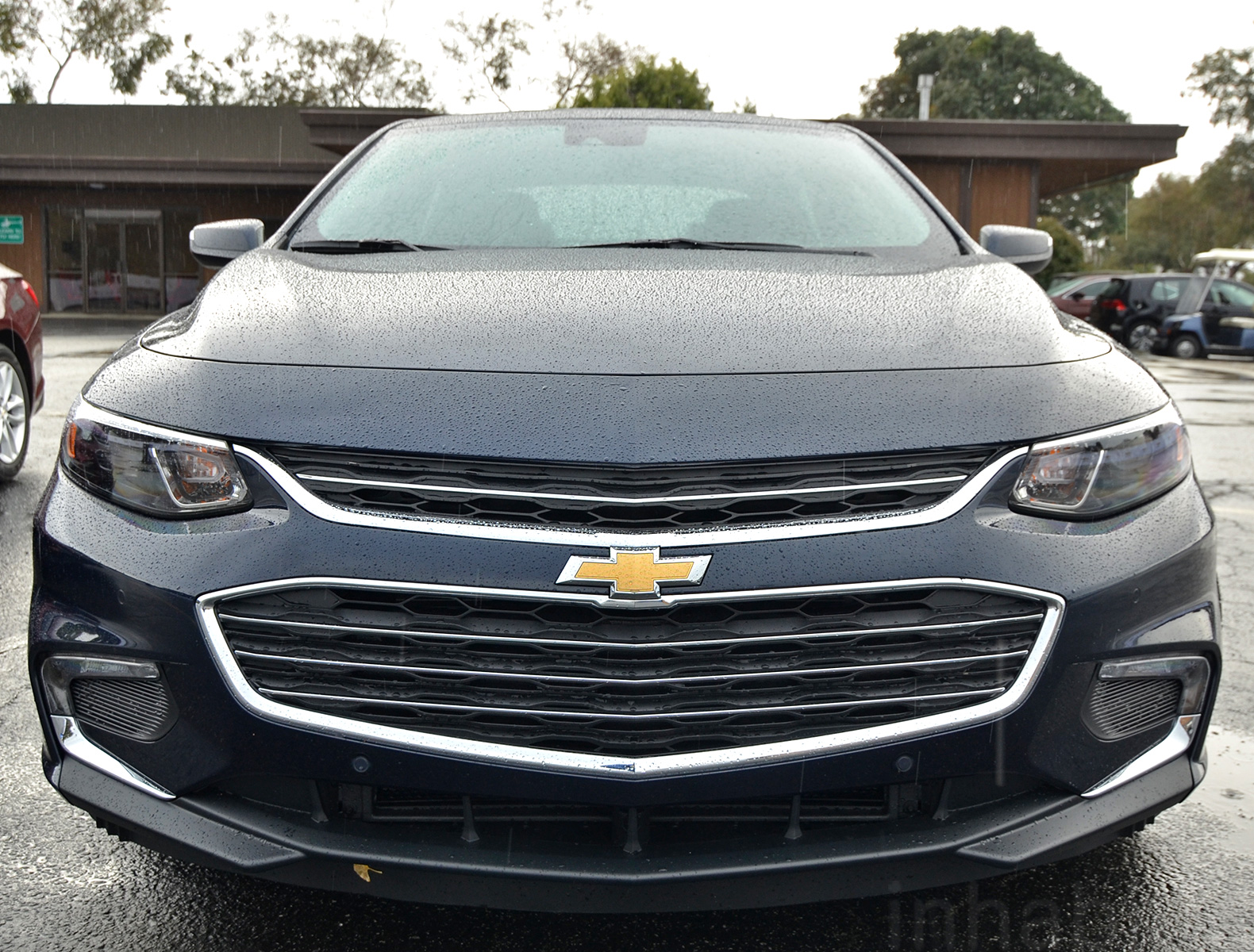 test drive the 2016 chevrolet malibu hybrid is lighter larger and gets 47 mpg 2016 chevrolet. Black Bedroom Furniture Sets. Home Design Ideas