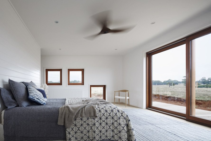 energy efficiency, contemporary farmhouse, farmhouse, tripled glazed windows, thermal efficiency, Trentham, 700 haus Trentham by Glow, Glow architecture, 700 haus Trentham, rainwater collection, reclaimed materials, passive solar