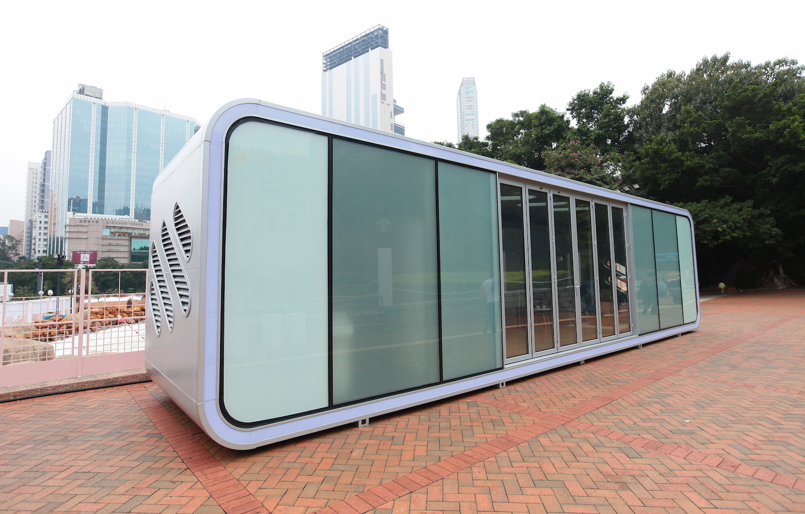 Futuristic Plug And Play ALPOD Home Can Pop Up Anywhere In The World