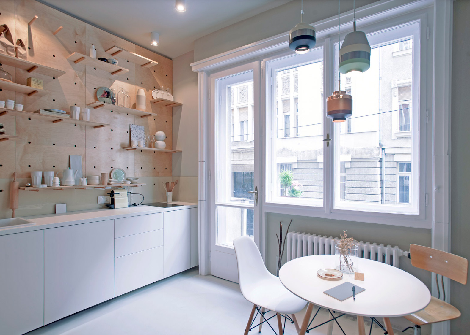 Stylish and minimalist micro-apartment makes the most of small-space ...