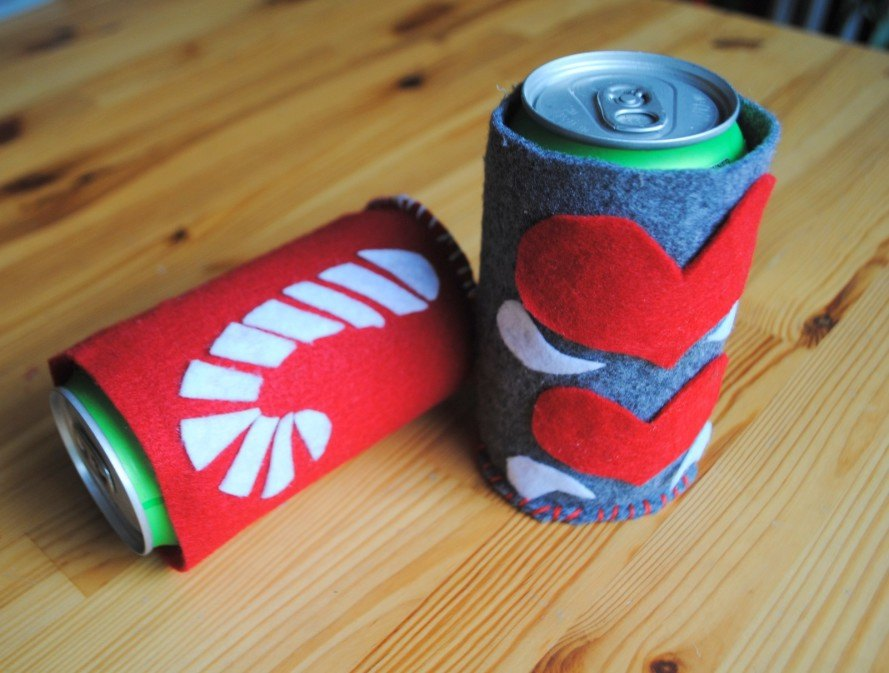 craft, DIY, holidays, christmas, beer, bottle, can, holder, koozie, cozy, sewing, felt, gift, handmade