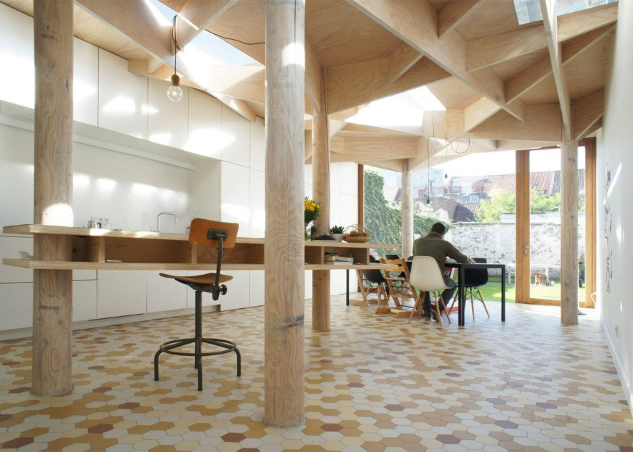 House in Ghent, extension, Atelier Vens Vanbelle, timber construction, ceiling patterns, hexagonal tiles, skylights, glass walls, natural light, atrium, green interior