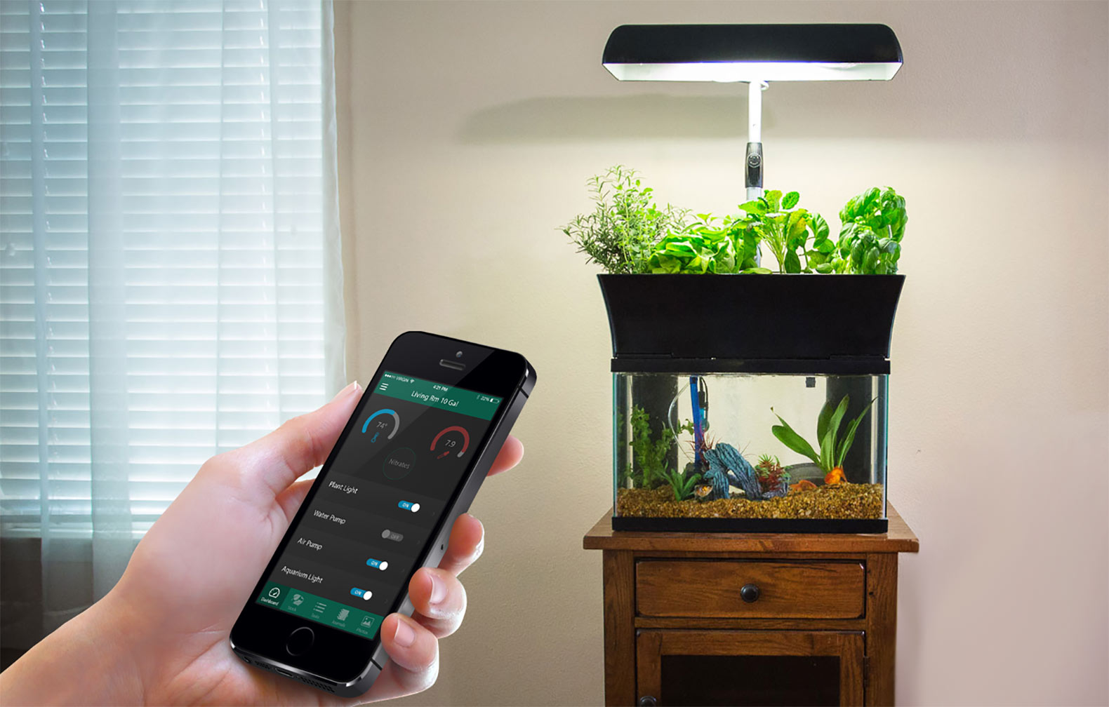 InnoGro Lets Anyone Grow An Indoor Aquaponic Garden All Year Long