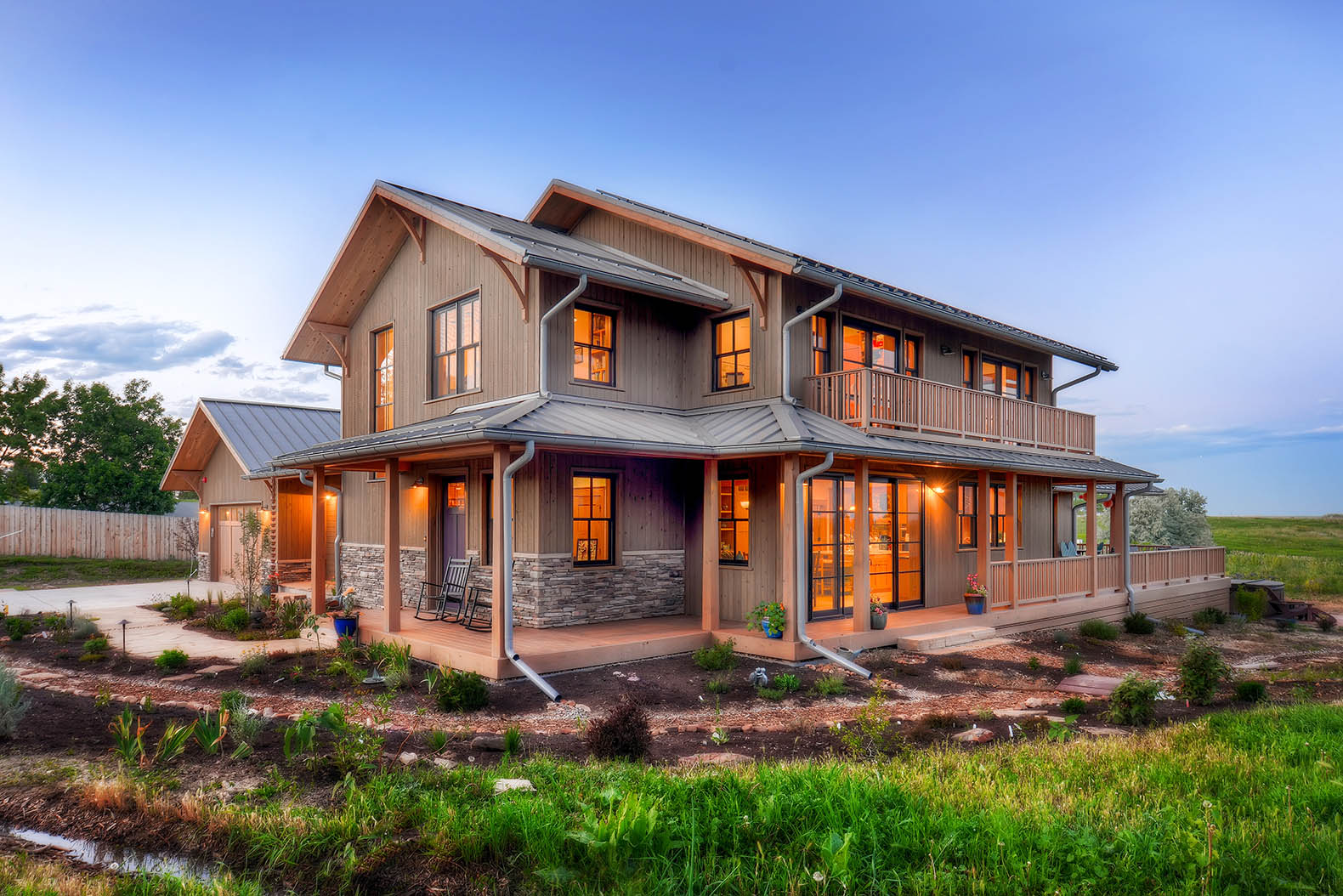 Colorado Utility Pays Regenerative Farmhouse Owners Up To $120 For Their  Solar Energy