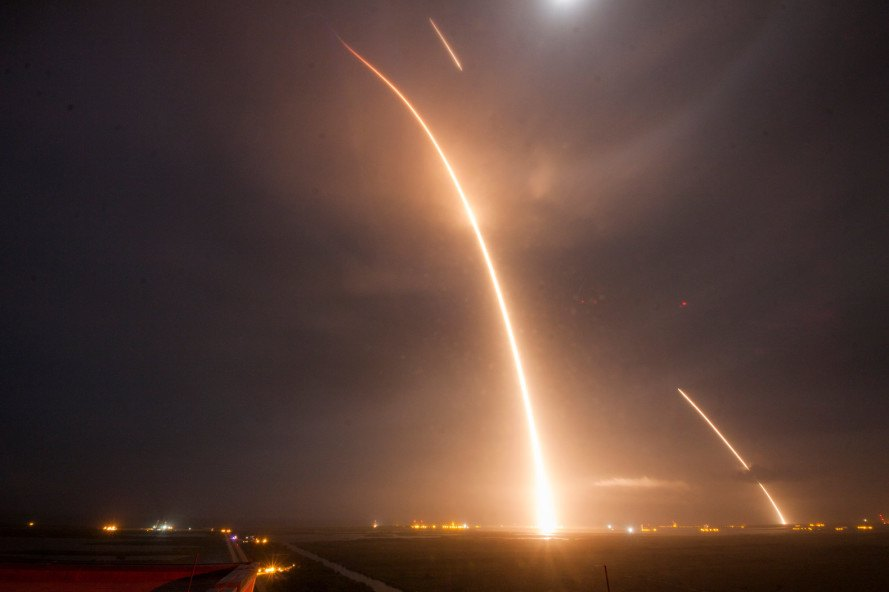 spacex, falcon 9, falcon 9 rocket, spacex rocket, elon musk, cape canaveral, blue origin, amazon jeff bezos, spacex rocket launch, falcon 9 landing