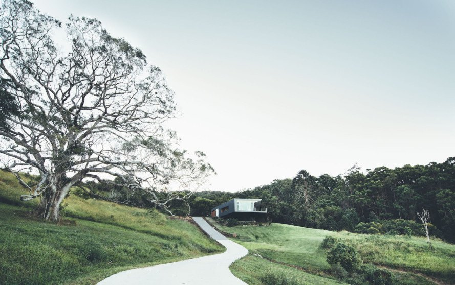 Teeland Architects, Stealth House, Stealth House by Teeland Architects, photovoltaic systems, wastewater recycling, natural light, cantilevered home, panoramic views, site specific design, cantilever, solar-powered house, Sunshine Coast,