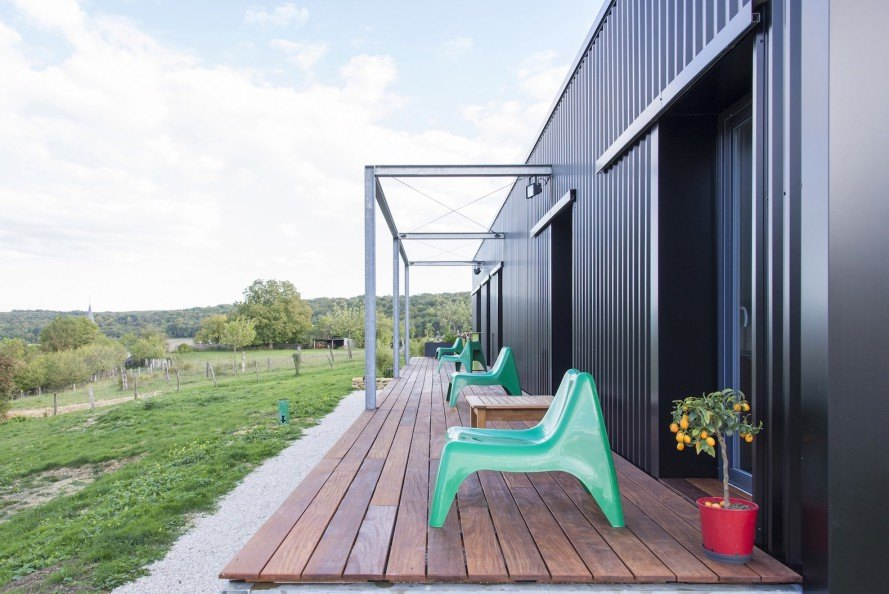 Un Dernier Voyage, Spray Architecture, Un Dernier Voyage by Spray Architecture, Meuse, cargotecture, shipping container home, shipping containers, corrugated metal, industrial chic, open plan, artist's workshop,