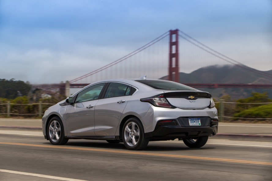2017 Chevy Volt Will Emit Fewer Emissions And Feature Smart Driving Technology