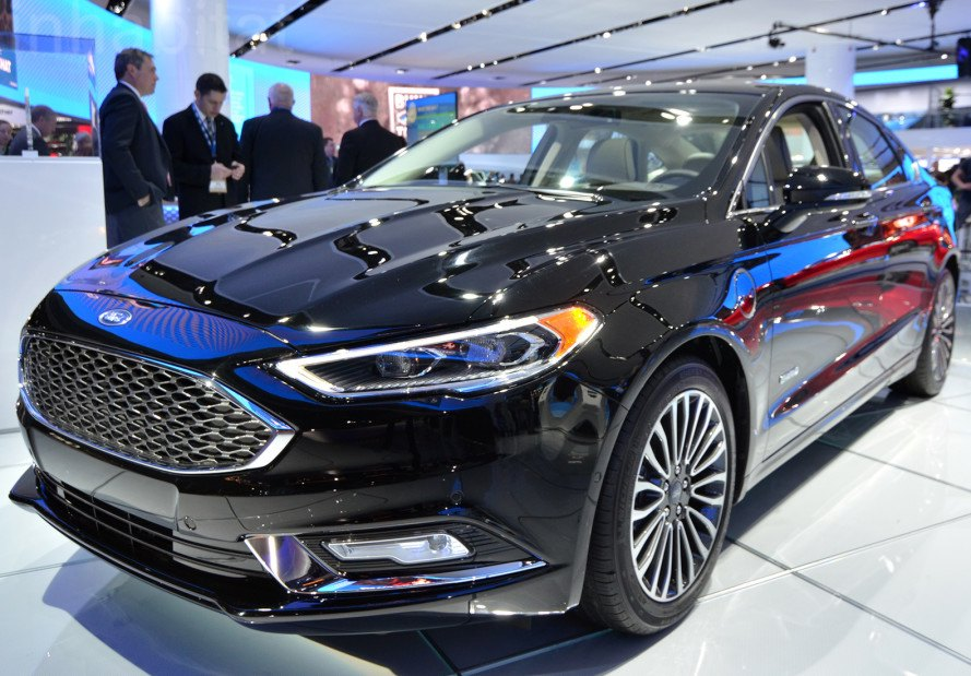 The New 2017 Ford Fusion Energi Plug In Hybrid Is Sharper Sportier And Packed With Tech