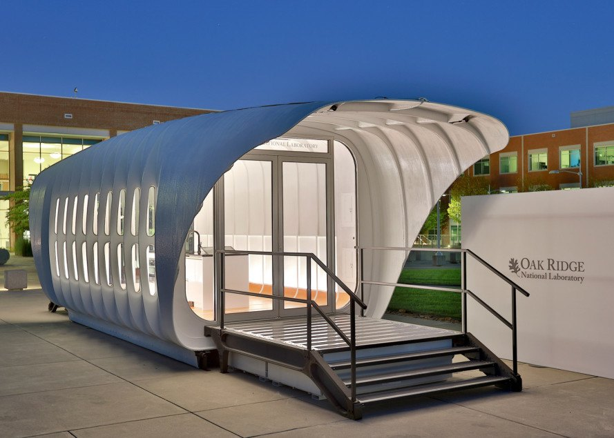 3d-printed building, 3d-printed house, 3d-printed car, 3d-printed vehicle, som, amie 1.0, off-grid living, self-sustaining home, solar power, solar panels, solar energy, off-grid