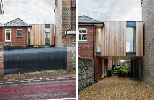 The austen house is a tiny timber clad home suspended between two buildings - Auayen architektur ...