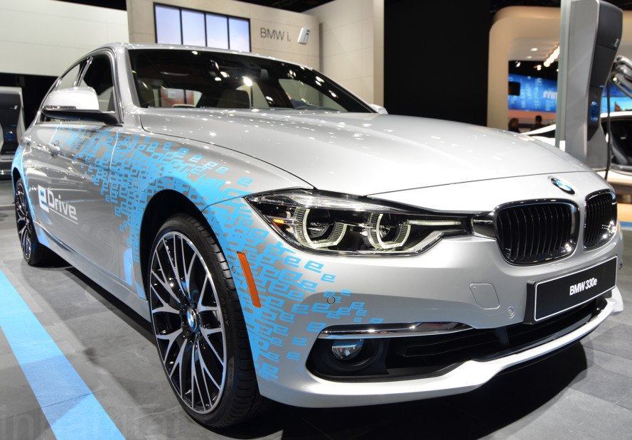 BMW 300e Plug-in Hybrid, BMW, BMW 300e, 2016 Detroit Auto Show, NAIAS 2016, Detroit Auto Show, NAIAS, electric vehicles, green cars, green transportation, sustainable transportation, plug-in hybrid, hybrid car, hybrid-electric vehicle, hybrids