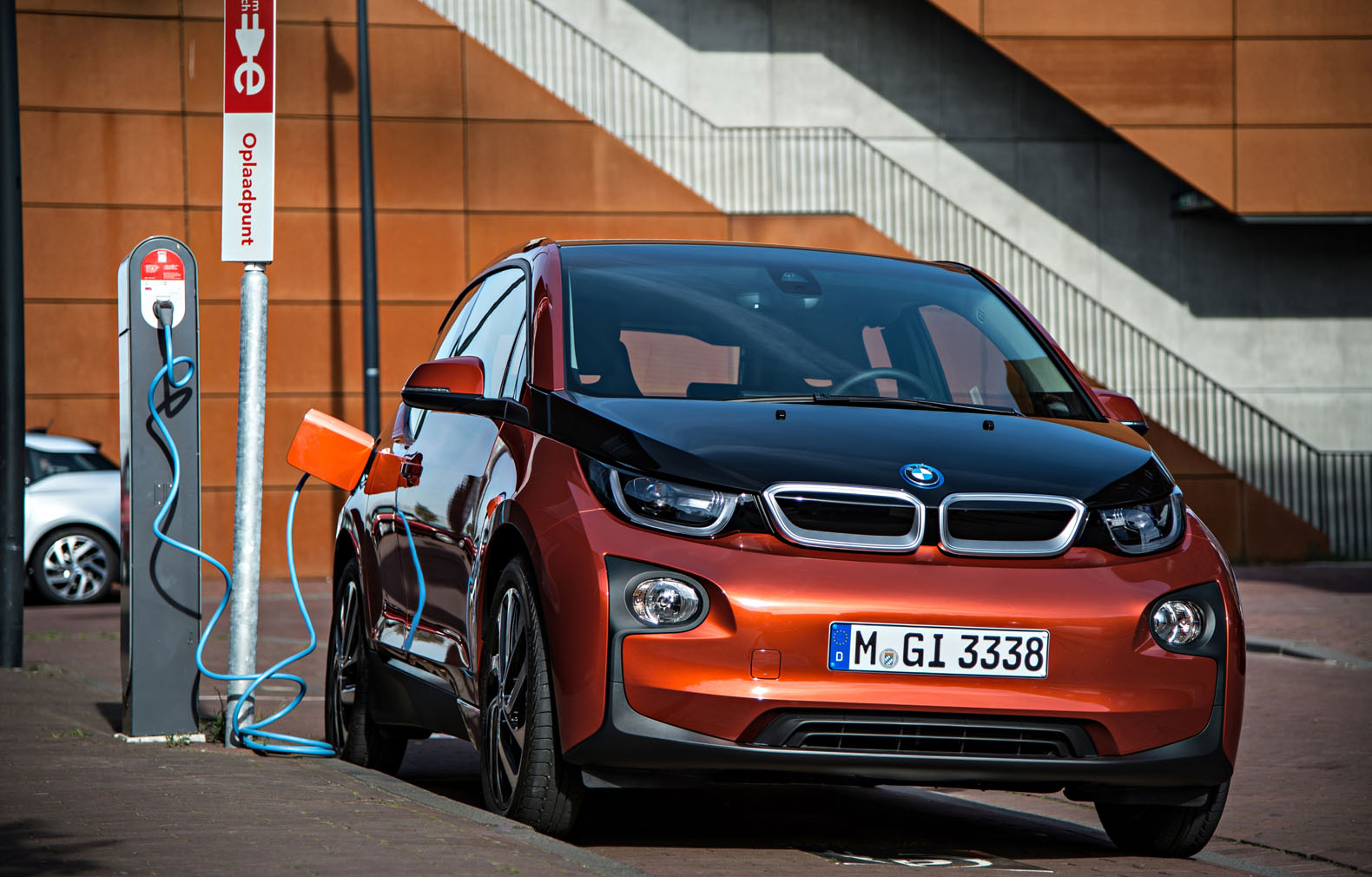 Bmw Is Boosting The 2017 I3 S Electric Driving Range By 50 Percent