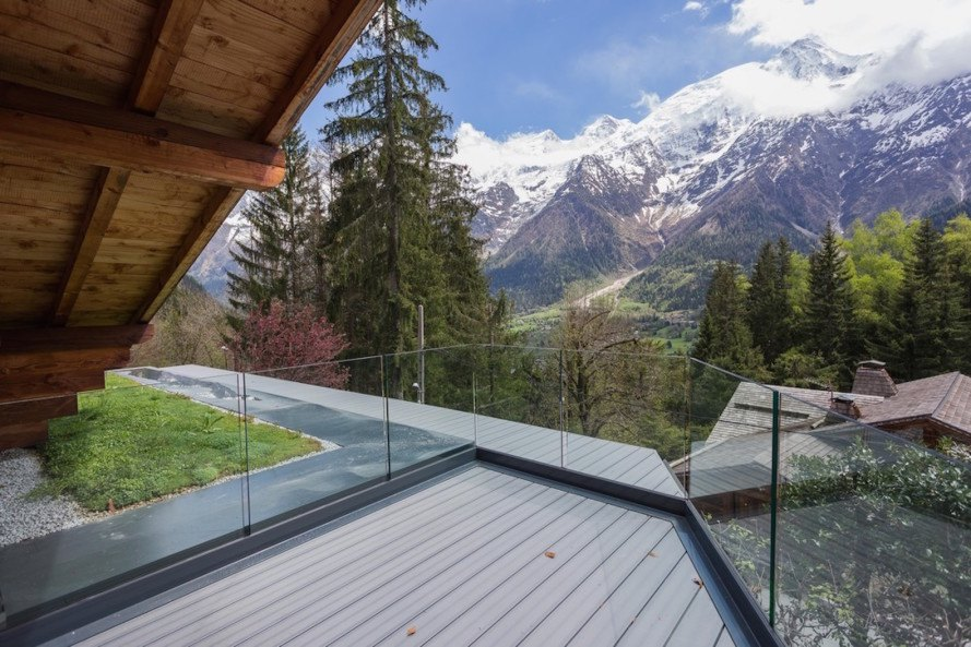Chalet Solelyâ, Chalet Solelyâ by Chevallier Architectes, Chevallier Architectes, green-roofed chalet, inspiring green renovation, Les Houches architecture, alpine retreat, alpine architecture, modern alpine architecture, passive solar principles, green roof,