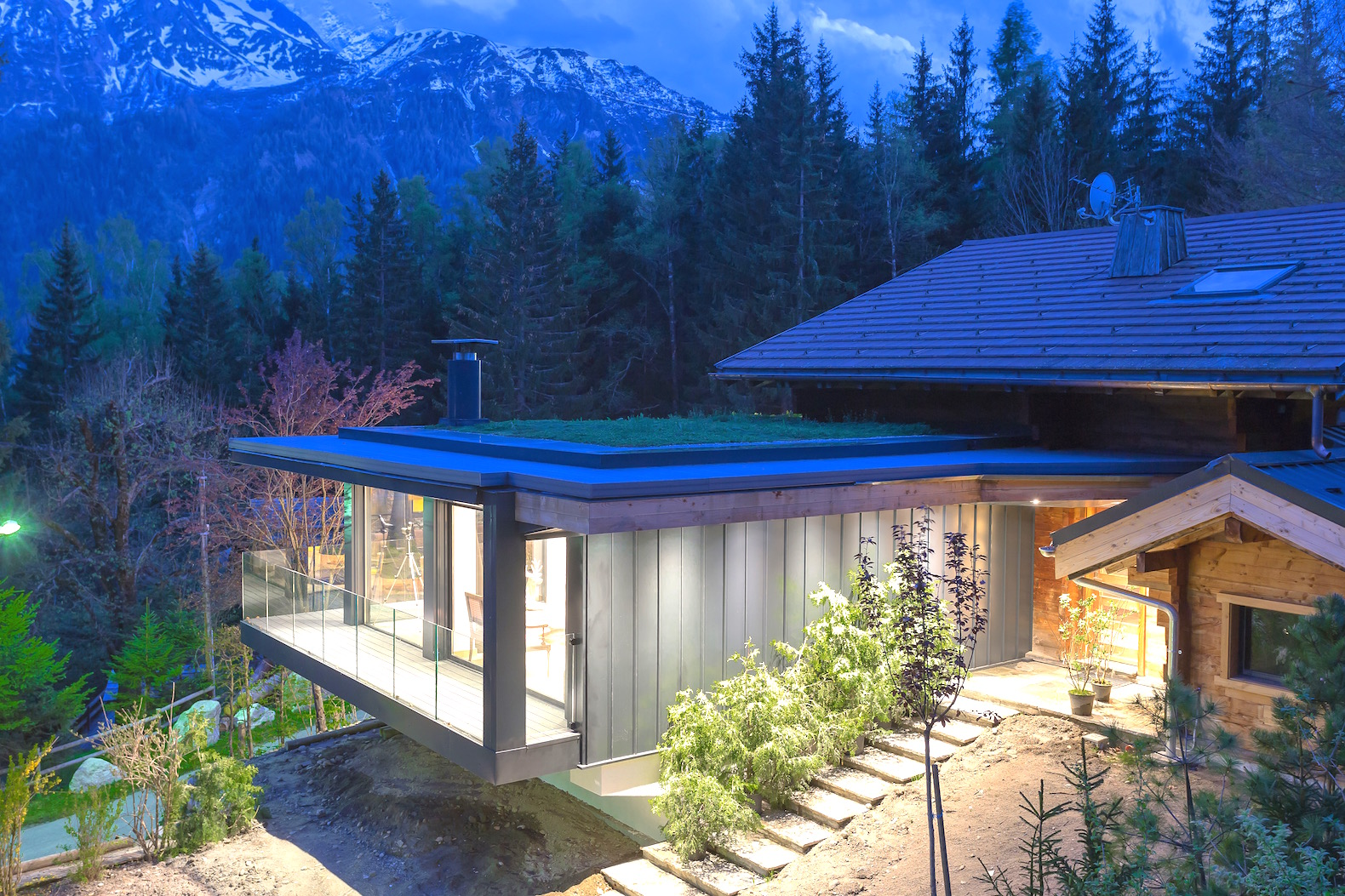 Insulating Green Roof Keeps The Sublime Chalet Solelyâ Warm In Winter