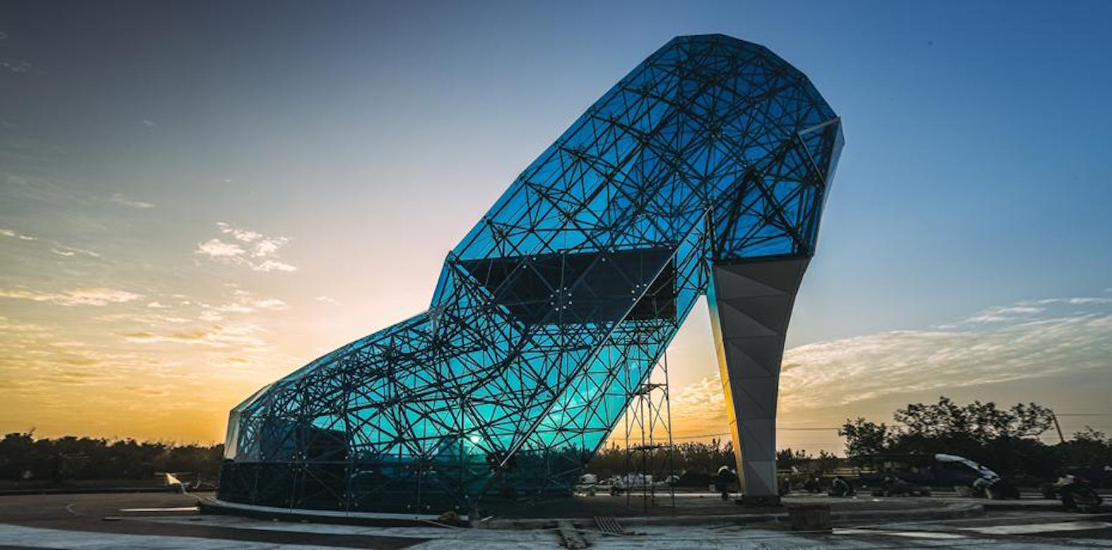 Taiwan builds gigantic Cinderella inspired glass slipper to lure
