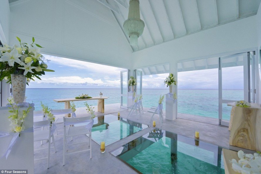 destination weddings, beach wedding, destination beach wedding, maldives, four seasons maldives, Four Seasons Landaa Giraavaru, maldives resort wedding, glass bottom pavilion, indian ocean