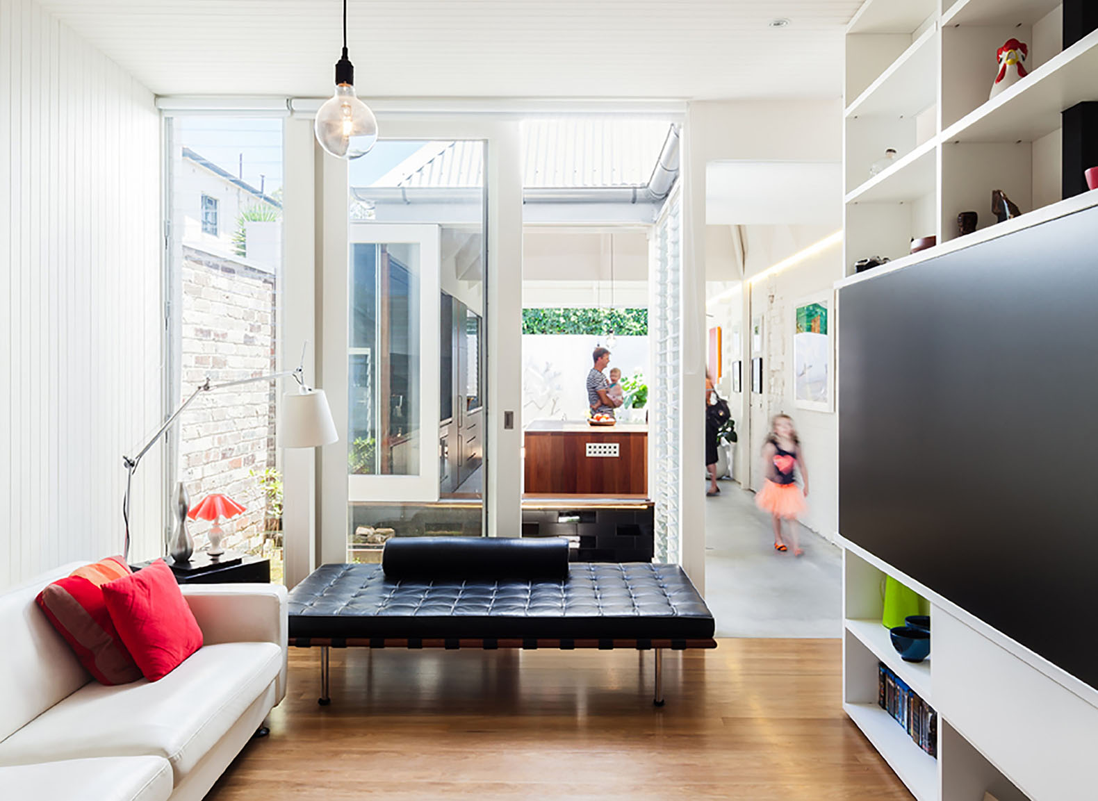 light cannon house in sydney references the sculptural. Black Bedroom Furniture Sets. Home Design Ideas