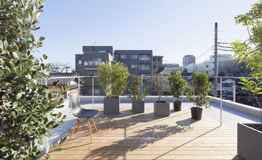 Elding Oscarson, Nerima House, Tokyo, small spaces, small houses, panoramic window, open plan layout, natural light, timber facade, green architecture