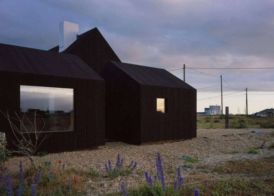 Dungeness, black-stained timber, black cabins, glazed corridor, Rodić Davidson Architects, North Vat, North Vat by Rodić Davidson Architects, skylights, larch cabin, black stained larch, Kent,