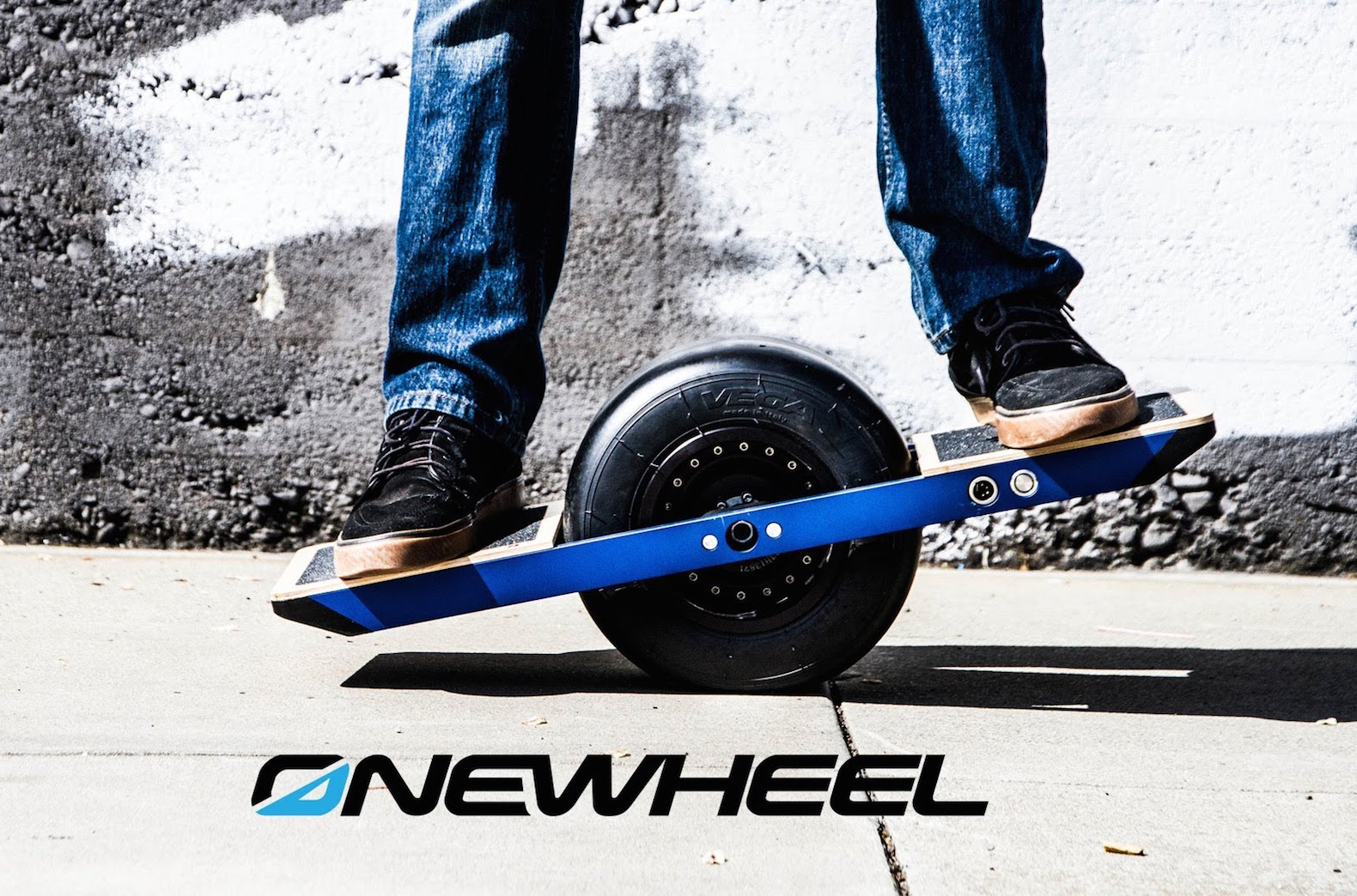 u s marshals raid chinese company s hoverboard booth at ces inhabitat green design. Black Bedroom Furniture Sets. Home Design Ideas