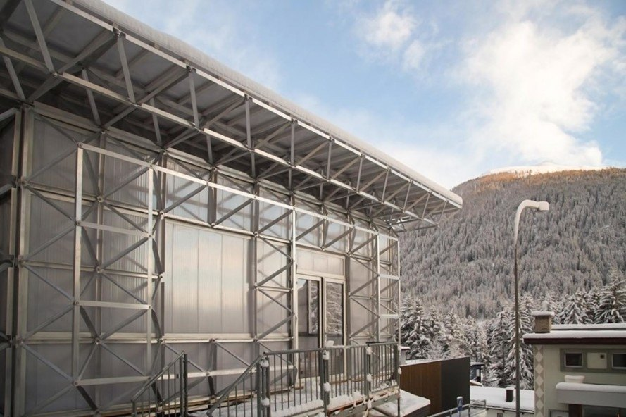 icehouse, wonderframe system, William McDonough, World Economic Forum, Switzerland, circular economy, recyclable materials, aerogel, aluminum, polycarbonate, nylon