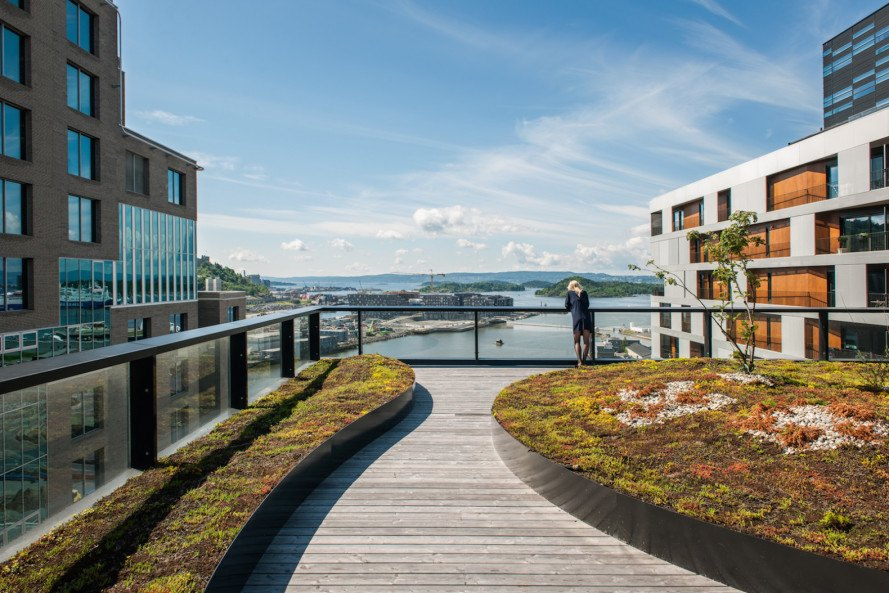 DnB West-Building by Dark, Barcode development, green roofs, roof terrace, Barcode Norway, Norway, mixed use development, Oslo, Oslo architecture, Barcode Architecture, Dark, West-Building, DnB west building, DnB headquarters at Barcode, green roofed architecture, terraced architecture