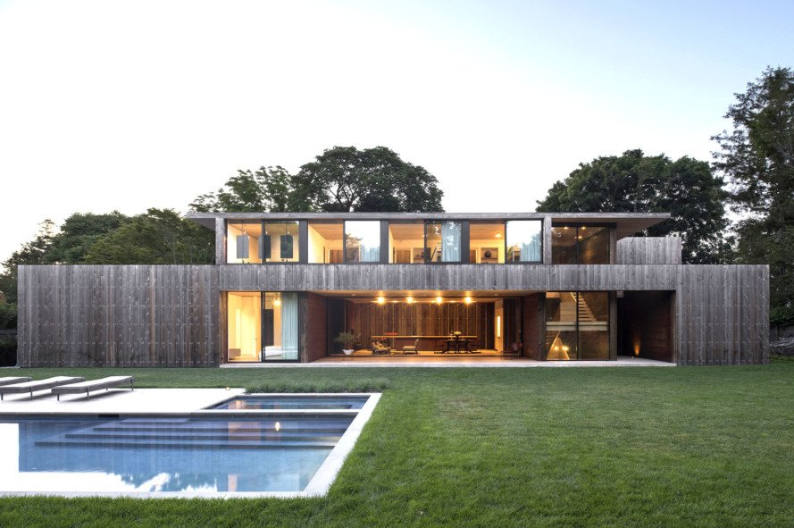 Elisabeth II concrete house, Bates Masi Architects, concrete house in Amagansett, cedar-clad house, acoustic performance, noise reducing house, cedar board cladding, natural building materials, thermal insulation, green architecture in New York, timber cladding, green materials, noise pollution