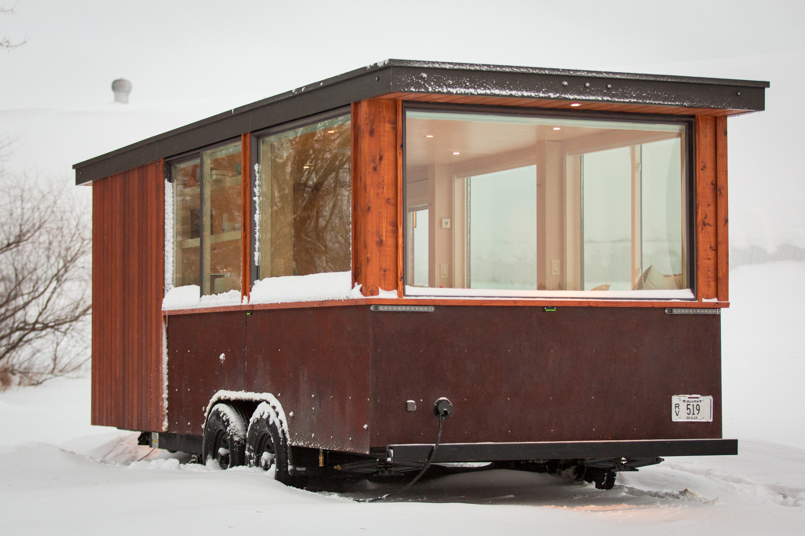 This tiny home on wheels lets you change your vista on a whim escape vista in the snow - Small houses wheels home getaway ...