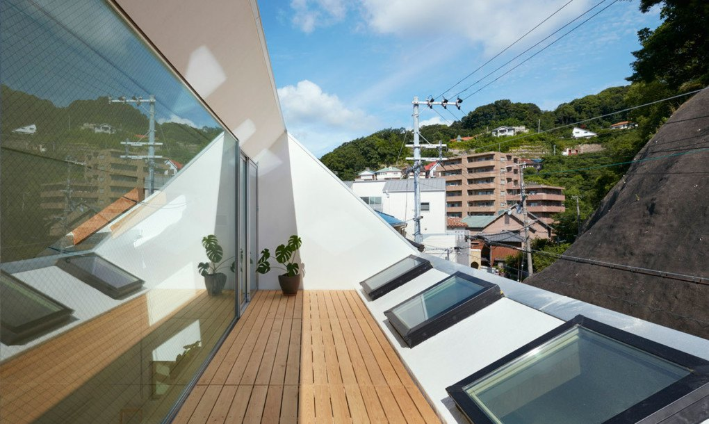 Skylights And Clerestory Windows Bathe The Japanese Re
