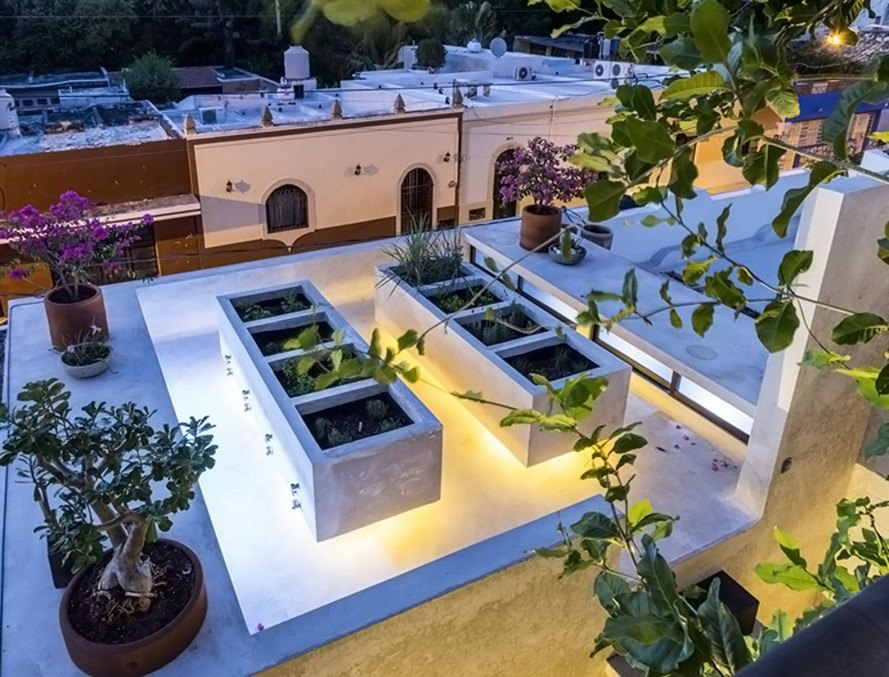 Taller Estilo Arquitectura, Naked House, Mexico, narrow building, green architecture, natural ventilation, swimming pool, air chimney, green wall, natural building materials, reused building materials