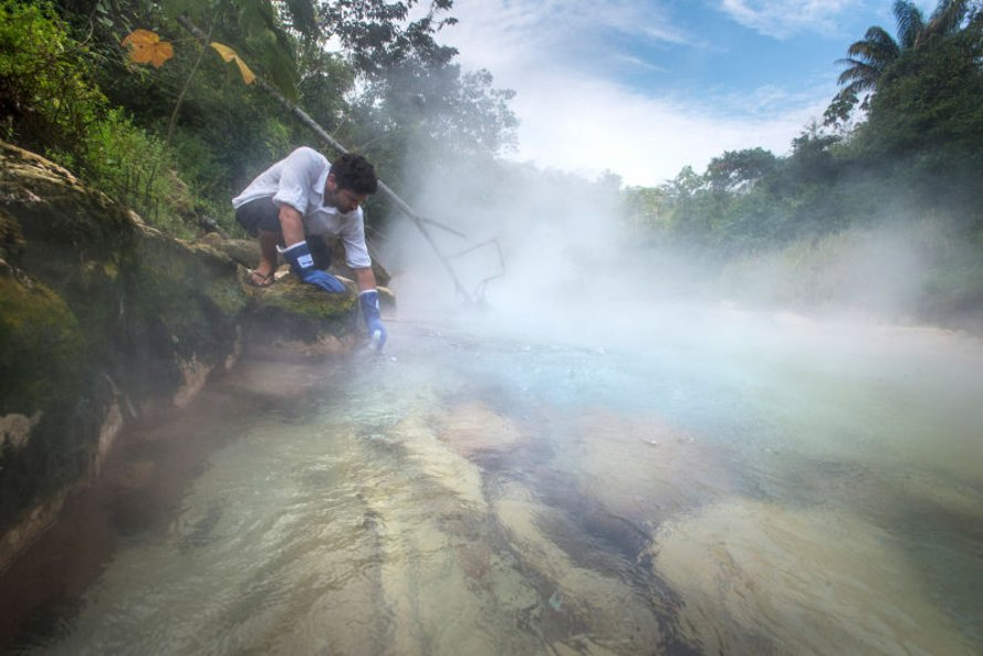 peru, boiling river, Mayantuyacu, amazon rainforest, andres ruzo, geothermal sites, geothermal map, The Boiling River: Adventure and Discovery in the Amazon, legend of the boiling river