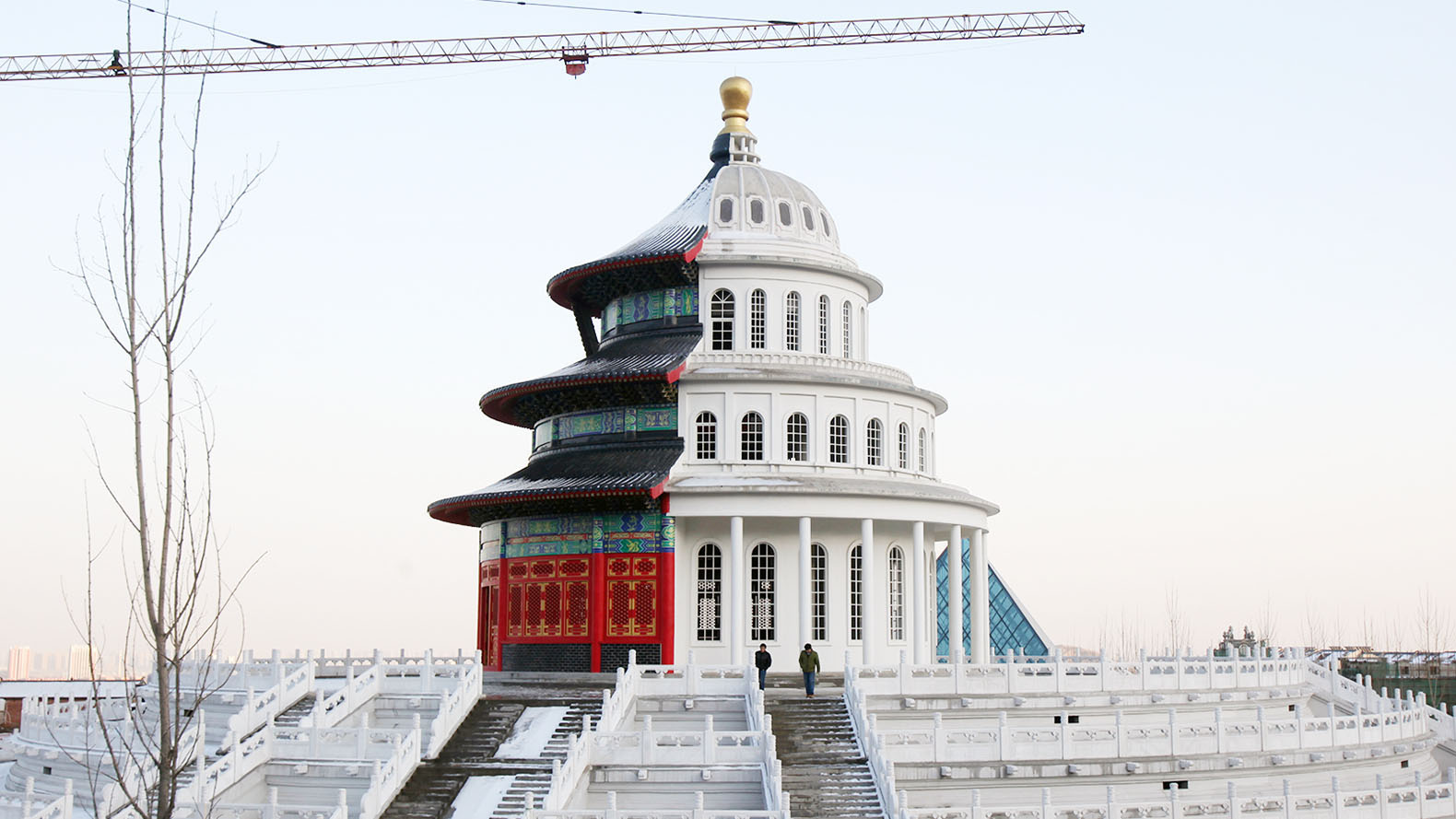 China officially bans 'weird' architecture