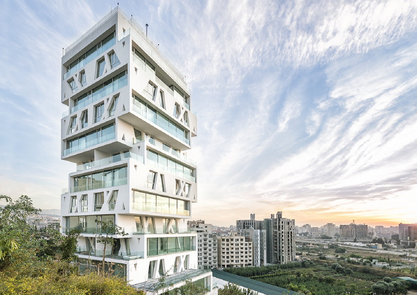earthquake resistant buildings Attempts to build earthquake-proof buildings keep getting better and better, but how exactly do these methods of preventing collapse work how does the.