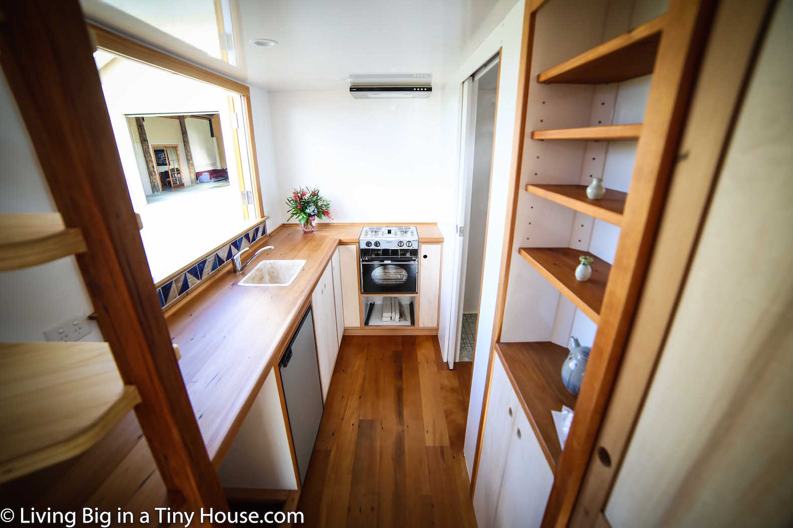 luxurious tiny home in new zealand is off grid and 100 self