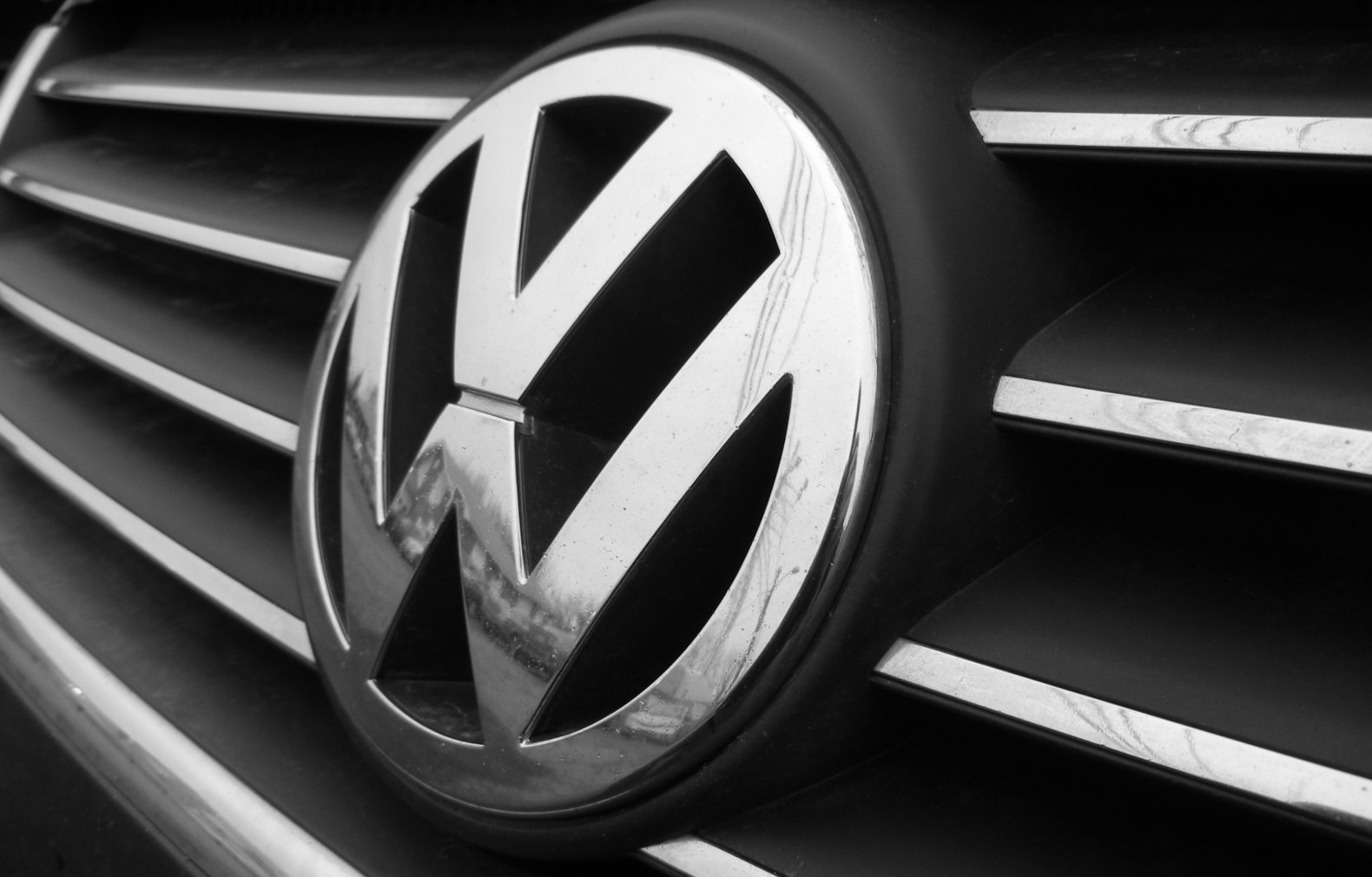 VW promises world's first mass market electric car