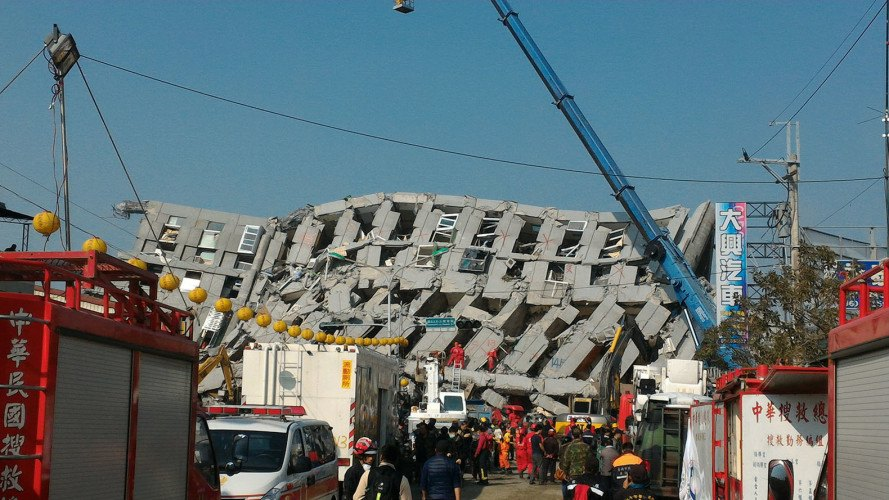 "Cooking oil cans found ""reinforcing"" the pillars of collapsed Taiwanese apartment"